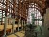 会場は「倉吉未来中心」 イタリア人が設計、ロビーはガラス張りのモダンな建物