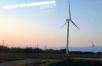 JR山陰線の大山口近くで見つけた風力発電の風車。日本海の夕焼が美しかった!